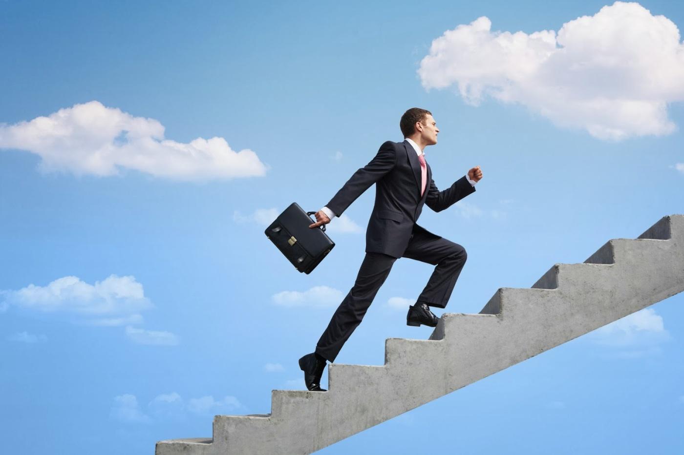 8 Passos Para Se Tornar Um Empreendedor Sem Largar o Emprego